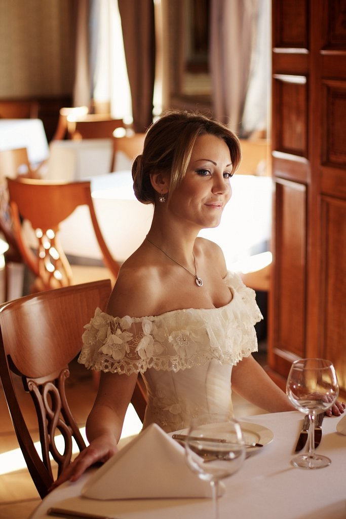 Wedding-Photo-Royal-Hotel-13.jpg